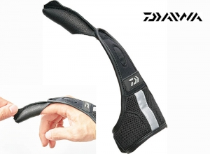 DAIWA DG-70009 Finger Guard Size-L Black