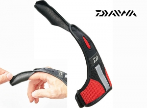 DAIWA DG-70009 Finger Guard Size-L Red